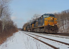 CSX 562 and 784 (Trains & Trails) Tags: snow winter cold january csx ge widecab ac44cw yn3 darkfuture generalelectric engine locomotive diesel transportation coal southconnellsville pennsylvania fayettecounty 562