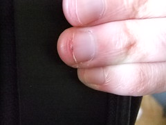 DSCF6304 (ongle86) Tags: sucer ronger ongles doigts mains thumb sucking nails biting fingers licking hand fetish