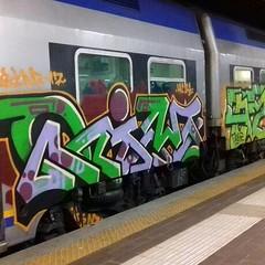 New pics on blog (link in bio) #stolenstuff #graffitiblog #check4stolen #flickr4stolen #graffititrain #benching #vivalto #rim #a2r #nitebenching #instagraff #graffiti (stolenstuff) Tags: instagram stolenstuff graffiti graffititrain benching