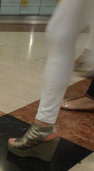Street feet (362) (I Love Feet & Shoes) Tags: street sexy feet stockings pie shoes highheels sandals tights lingerie heels ps huf hoof bas pieds mules pantyhose schuhe casco piedi meias medias scarpe sandalias chaussures sapatos sandlias zapatillas sandalen  sandales  sabot sandali  strmpfe    calcanhares  fse