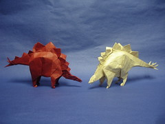 Stegosaurus 1995 and 2015 - Kawahata (shuki.kato) Tags: animal paper origami dinosaur convention fold stegosaurus 2015 kawahata fumiaki tanteidan