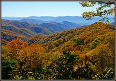 Great Smoky Mountains National Park (Jerry Jaynes) Tags: mountains fall nc fallcolor view northcarolina greatsmokymountainsnationalpark tripodphotography nikkor1685vr