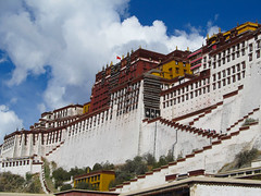 "Potala Palace <a style=""margin-left:10px; font-size:0.8em;"" href=""http://www.flickr.com/photos/127723101@N04/22101407030/"" target=""_blank"">@flickr</a>"