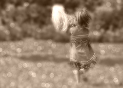La petite indienne (Amiela40) Tags: girl field sepia doll run fille champ poupe fillette courir indienne