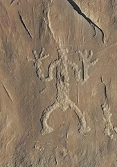 Petroglyph / Chaco Culture NHP (Ron Wolf) Tags: anasazi anthropology archaeology chacoculturenationalhistoricalpark chacoan nationalpark nativeamerican anthromorph anthropomorph digitated petroglyph rockart newmexico