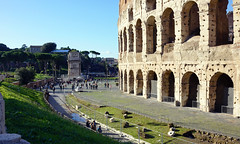 View of the Arch of Constantine past the Colosseum