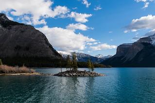 Lake Minnewanka, Banff. Canada.