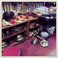 钹 (nefasth) Tags: pékin beijing chine china 中國 钹 锣 cymbal cymbale drum hipstamatic 木魚 muyu mokugyo 北京