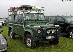 Defender 110 (Schwanzus_Longus) Tags: spotted spotting carspotting 110 4x4 britain british car classic defender english german germany great green hildesheim land landy offroader rover uk vehicle vintage old fahrzeug auto outdoor gb england modern offroad