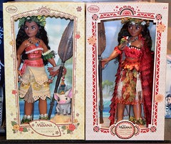 2017 LE Moana Release Day at the Disney Store - 2017-03-07 - 2016 and 2017 Moana LE Dolls Behind Counter (drj1828) Tags: us disneystore moana limitededition doll 16inch second edition 2017 first 2016