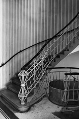Josef Gocar @ House of the Black Madonna - Prague  [19111912] (d.teil) Tags: city wallpaper black architecture stair prague madonna prag architect staircase josef 1912 tapete ballustrade gocar treppenraum cubismn
