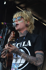 Never Shout Never - Christopher Drew (desireediazphotos) Tags: music never photographer tour drew warped shout christofer nsn