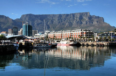 Cape Town - Table Mountain (Rik Tiggelhoven Travel Photography) Tags: africa park travel mountain reflection water canon table photography town kiss waterfront outdoor south national cape np rik tafelberg kaapstad x2 450d kissx2 efs18135mmf3556is tiggelhoven