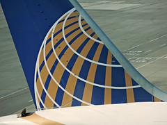 UA 787-8 N26906 (kenjet) Tags: world sf logo airport globe ramp sfo aircraft tail jet terminal international airline boeing tails airliner sanfranciscointernationalairport 787 ksfo dreamliner 7878 n26906