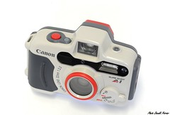 Canon Sure Shot A1 N 1006 (donaldpoirier93@yahoo.fr) Tags: camera canon rouge collection kamera camra collector lentille waterproofcamera sousmarin boitier appareilphoto collectionneur fondblanc tanche canonsureshota1 32mmf35 collectiondappareilsphoto collectiondecamras collectiondecameras n1006
