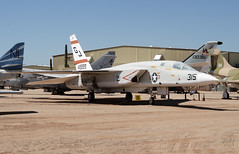149289 - Pima Air and Space Museum 24.09.2009 (Jakob_DK) Tags: pima usnavy a5 2009 usn unitedstatesnavy vigilante northamerican pimaairandspacemuseum pimaairspacemuseum ra5c northamericana5