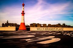 Willy-Brandt-Platz (fidel_barto) Tags: vacation germany deutschland urlaub weser bremerhaven leuchtturm willybrandtplatz