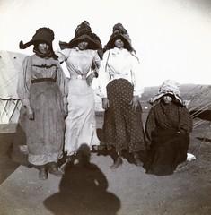 Boer women, c.1901.