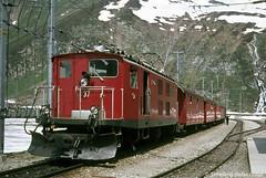 FO HGe 4/4 37 Oberalppasshhe, 22.06.1974 (Tramfan2011) Tags: schweiz swiss berge fo mgb oberalp furka zahnradbahn furkaoberalp