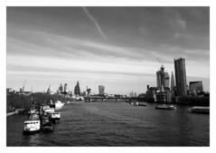 London skyline (éric) Tags: london shard stpauls canarywharf cheesegrater walkietalkie bw bn imagedatasmg935f13472f17100 uploadscript imagemagick im:opts=crop3200x2200600500fx07r03glevel59008 photo:id=31785638302b15bf5b93fojpg