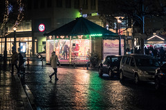 Rêves d'enfants / Children's Dreams (Gilderic Photography) Tags: liege belgium belgique belgie street rue night nuit lights carrousel manege christmas city canon g7x gilderic