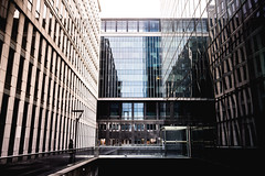 Giant (Eero Capita) Tags: bruxelles brussels brussel belgium symettry building reflection nikon d7100 dx 1020 sigma