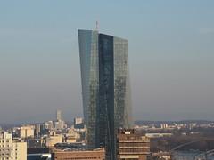 Schurkenhauptquartier (Huhnbeauftragter) Tags: ezb europäischezentralbank