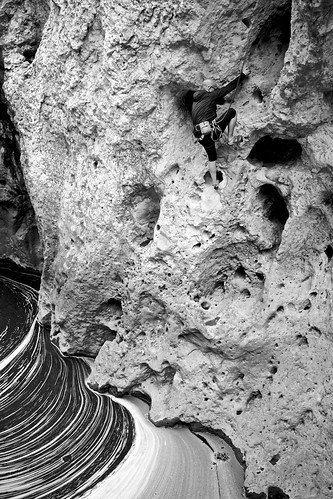 www.boulderingonline.pl Rock climbing and bouldering pictures and news Creek Climbing