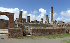 Pompei (bogdan_de_varsovie) Tags: europa europe włochy italia italy pompeje pompei ruiny ruins dziedzictwo heritage kolimny columns starożytność antiquity historia history architektura architecture