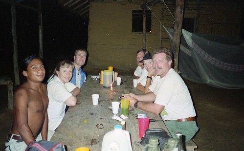 Mealtime with Macuto - the 2 Brits, Bill, Kaye and Willie
