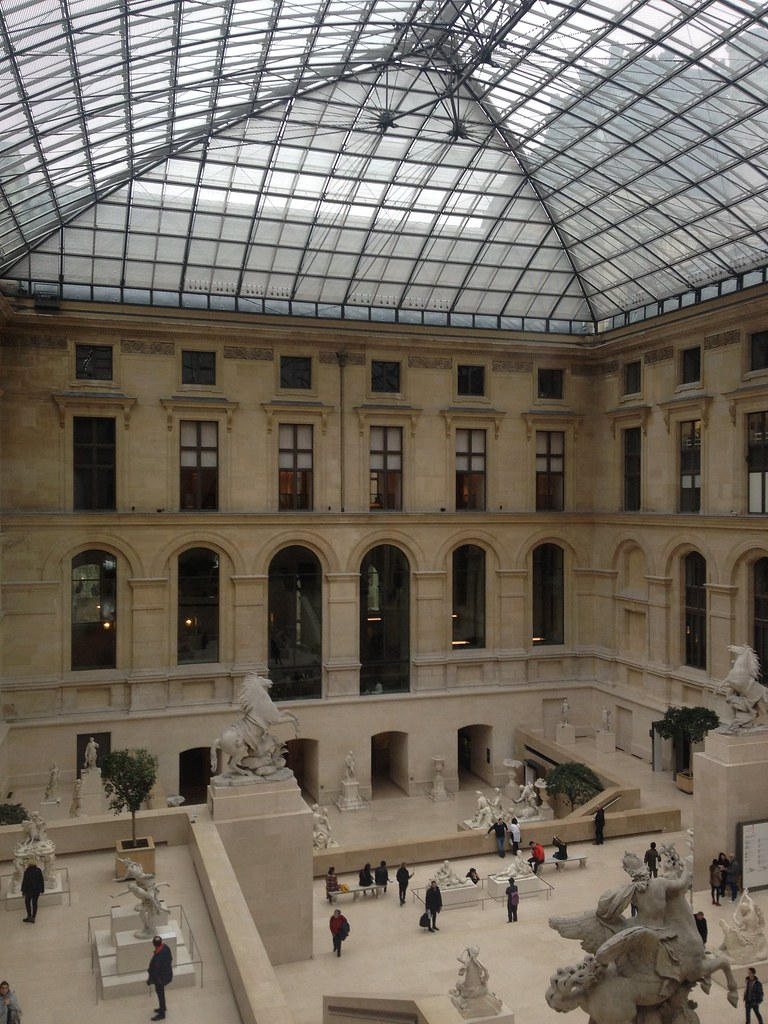 The world 39 s best photos of histoire and louvre flickr for Interieur pyramide