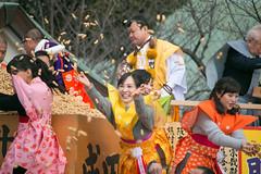 Mitsuki Tanimura & Kanako Momota (Momoiro Clover Z) - Naritasan - Neyagawa, Osaka