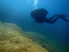 Blue diving (CZDiver) Tags: underwater scubagear scubadiving divinggear doublehosescubaregulator gatesproam1050drysuit blackrubberdrysuit scubadiver scuba drysuit drysuitdiving