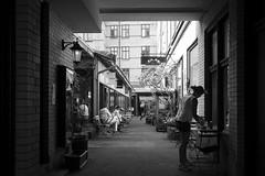 da Matteo coffee shop (Olderhvit) Tags: göteborg lumix gothenburg streetphotography panasonic streetphoto goteborg 2014 streetpics gatufoto gx1 gatufotografi framingthestreet olderhvit dmcgx1 p111024