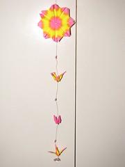 Dezembro 052 (Atelier ArthSarah!) Tags: paper origami modular japo papel bola dezembro tesoura sorte mbile tsuru dobradura longevidade dobras pendurar kudusama