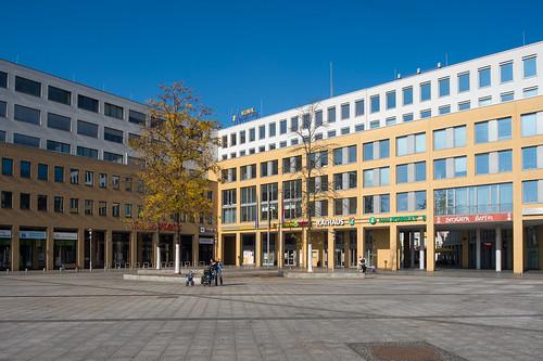 Rathaus und Klinik Helle-Mitte Foto: Ole Bader