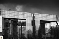 07Qac100116 (photo & life) Tags: parcandrécitroën paris france jfl photography photolife™ street streetphotography rue fujifilm fujinon fujifilmxpro2 fujinonxf56mmf12rapd 56mm sky building télévision architecture