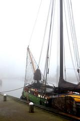 Marken harbor (Martin van Duijn) Tags: marken harbor harbour haven eiland island markermeer holland netherlands fog christmas break