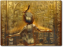 Golden Shrine Detail with the Guardian Goddess Selket (oar_square) Tags: newkingdom burialartifacts burialartifactsfromkingtutankhamun gildedwoodenshrine protectivegoddesses selket goddessselket egyptianart egyptiantreasure