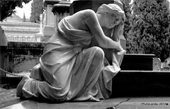 Panteón Familia Miralles (PhotoLanda) Tags: andalucia cementeriodegranada fujifilmfujinonxc1650mmf3556oisii fujifilmxa2 granada panteonfamiliamiralles josenavasparejo 1917 cementeri cementerio cementeriodesanjose cementeriomunicipaldegranada emucesa tomb tombe tombs tumba κοιμητήριον أندلوسيا andalouzia andalucía andalusia andalusie andalusien andalusiya andaluz andaluzia andaluzio architecture arquitectura art camposanto cemeterie cemeteries cemetery cimetière cimetiere death europa europe exitusletalis friedhof grave graves muerte panteon paseodelasabica sabica andaluzja グラナダ アンダルシア州 empresamunicipaldecementerioyserviciosfunerariosdegranada андалузија اندلس الأندلس منطقةحكمذاتيالأندلس منطقةالأندلسذاتيةالحكم ανδαλουσία андалуси андалусия андалусія אנדלוסיה ანდალუსია แคว้นอันดาลูเซีย আন্দালুসিয়া andalousie cementeriodesanjosedegranada photolanda
