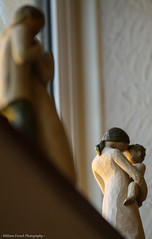 A Mother's love (f.renxh) Tags: warmth yellow sigmalens sigma 70200f28 70200 bokeh house winter colour love heart wooden sculptures art canon 70d canon70d