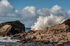 Rocas y espuma (ccc.39) Tags: asturias salinas castrillón playadelcuerno costa playa rocas espuma olas nube nuboso temporal cantábrico sea seascape oriiladelmar