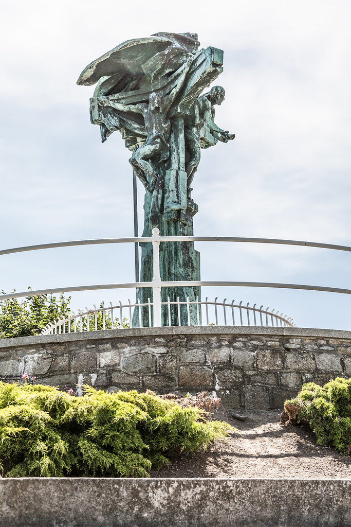CHRIST THE KING STATUE IN DUN LAOGHAIRE  [TEN YEARS AGO]-124917
