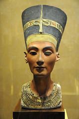 Queen Nefertiti (Mary Berkhout) Tags: maryberkhout rijksmuseumvanoudheden leiden tentoonstelling exhibition queenofthenile queennefertiti head sculpture