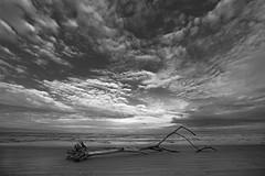 (Ana Eversbusch) Tags: sea beach clouds strand landscape mar meer cloudy stormy paisaje nublado landschaft blackwhitephotography nubs tormentoso canoneos5dmarkii anaeversbusch