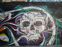 Astro (détail) (août 2015) (Archi & Philou) Tags: streetart skull astro paintedwall crâne murpeint paris19 ruehenrinoguères