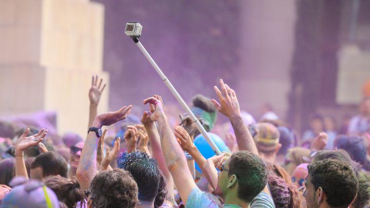តើដងស៊ែលហ្វី (Selfie) ផ្តល់អត្ថប្រយោជន៍ និង គុណវិបត្តិអ្វីខ្លះ?