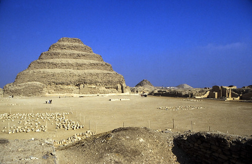 "Ägypten 1999 (585) Kairo: Djoser-Pyramide, Sakkara • <a style=""font-size:0.8em;"" href=""http://www.flickr.com/photos/69570948@N04/31926248606/"" target=""_blank"">View on Flickr</a>"