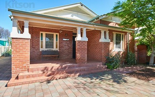 16 Lindsay Street, Turvey Park NSW 2650