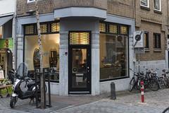 Nijmegen, Lange Hezelstraat (Jan Sluijter) Tags: nijmegen gelderland nederland holland visitholland city cityscape langehezelstraat winkels retail